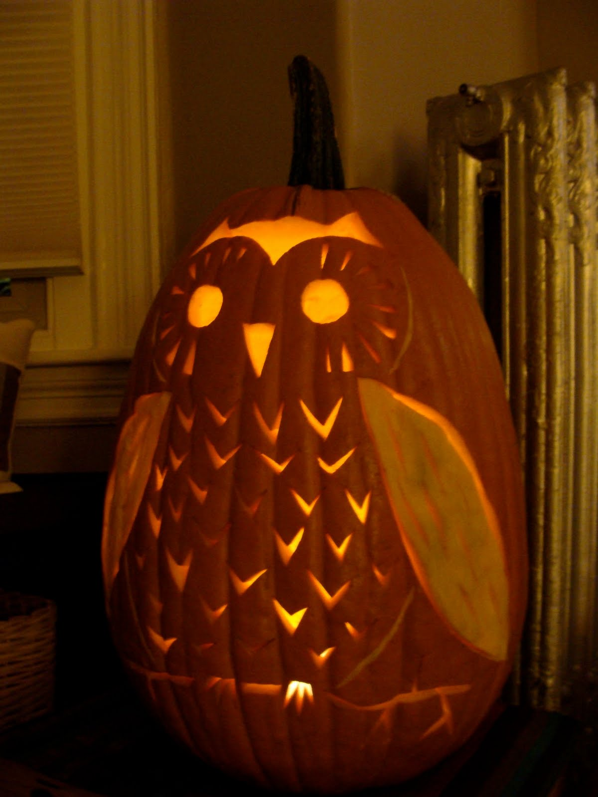 How to create an amazing pumpkin sculptures design ideas for Pumpkin carving ideas owl