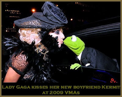 Lady Gaga Kisses. Lady Gaga, last night at
