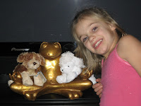 El with Webkinz and a golden frog