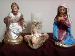 Jesus, Maria, José, minha família vossa é, minha casa vossa é.