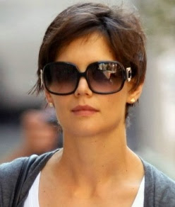 Katie Holmes Pixie on Alot Of Celebrities Have Pixie Cuts Such As Hayden Panettiere