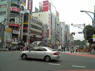 ueno-hirokoji crossing