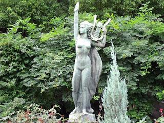 statue in hibiya park