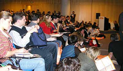 Una de las salas del OME 2007, Congreso de marketing-online abarrotadísima