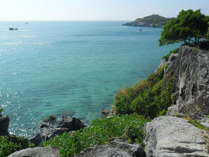 Ko Si Chang Island, Choburi, Thailand by Orb บาร์