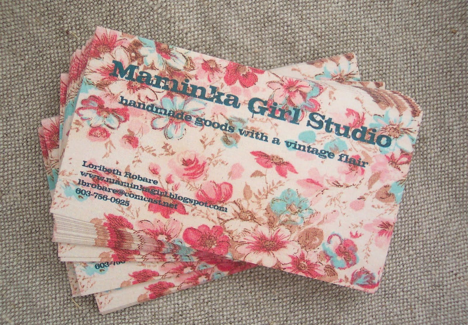 Maminka girl studio my new business cards of vintage fabric that came from an old worn apron there is something lovely and faded about this old print and it scanned in nicely colourmoves