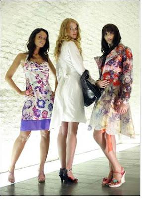http://3.bp.blogspot.com/_vRcmpT-MgW8/SktPSpKz9mI/AAAAAAAAAKk/9aAQUEgObG4/s400/latest-fashion-trends.JPG