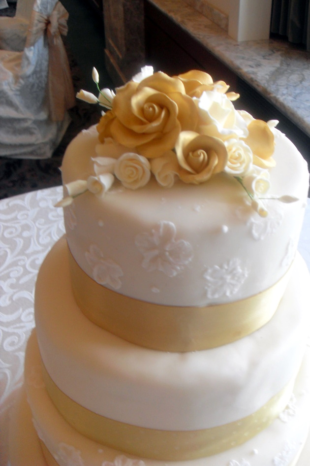 cake couture mike and nadia 39 s wedding cake utah wedding cakes. Black Bedroom Furniture Sets. Home Design Ideas