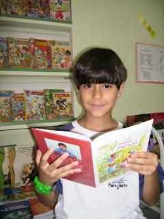 Criança de nove anos lança livro em Conquista