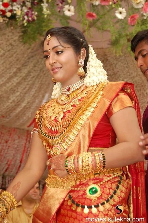 Navya Nair Marriage PhotosNavya Nair Engagement Photos
