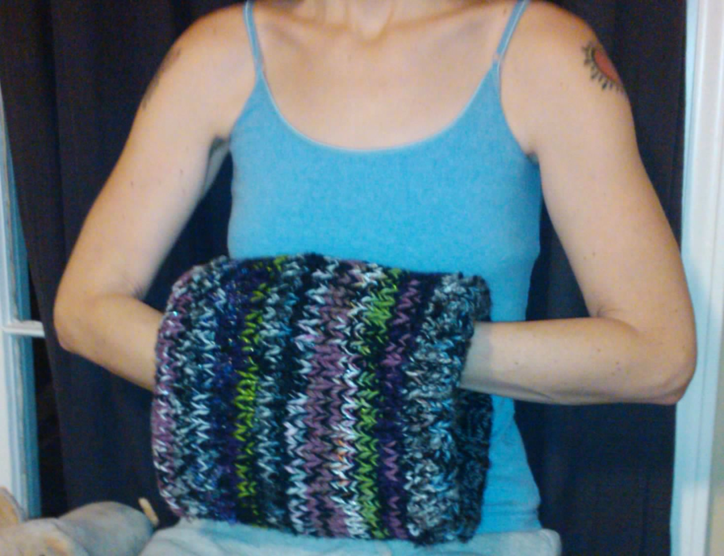 Apron Strings and Knitted Things: Warm hand muffs