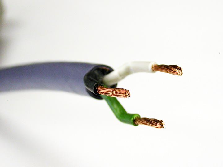 オヤイデ電気のオーディオみじんこブログ: 電源ケーブルの端末処理