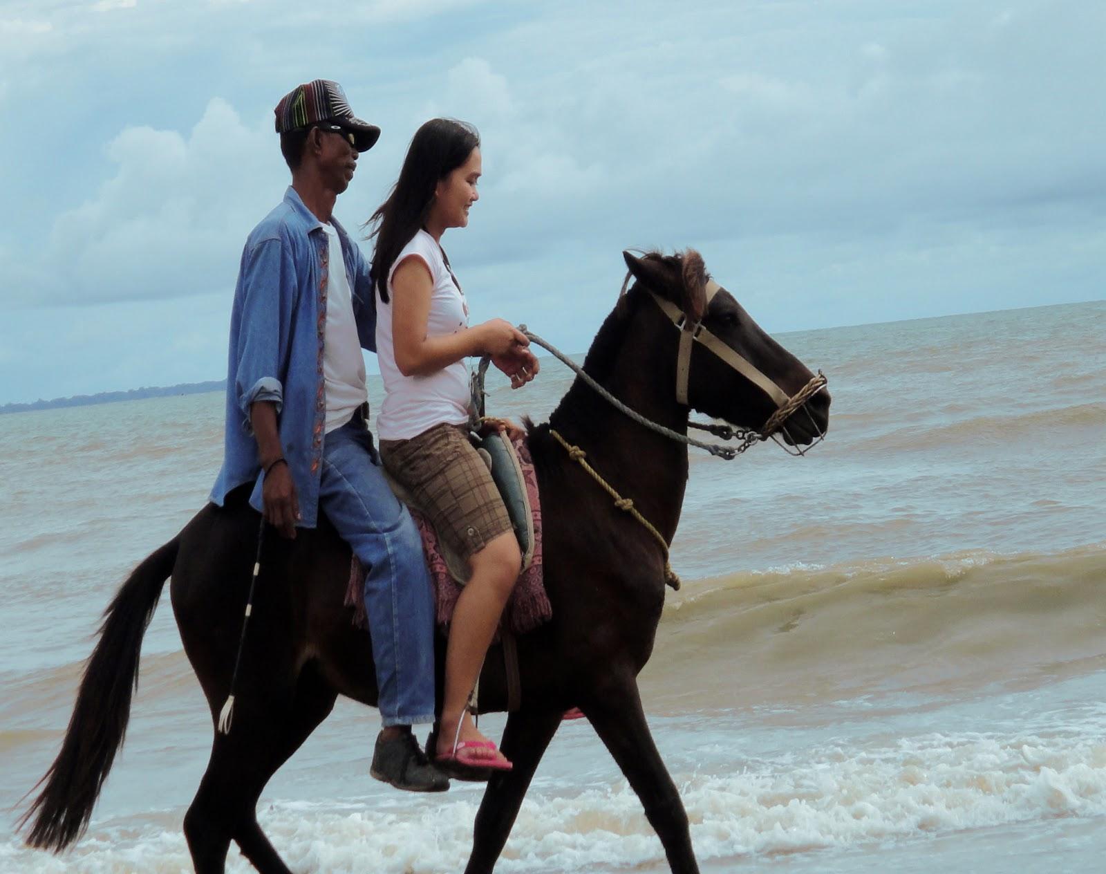 AnhawanHorseBackRiding - Make a Poem-Balak for this Woman Riding a Horse - Tira-Pasagad | Saksak-Sinagol