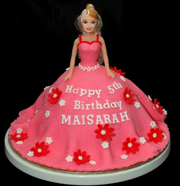 Doll Cake Images With Name : Lea Oven: Pink Princess Doll Cake