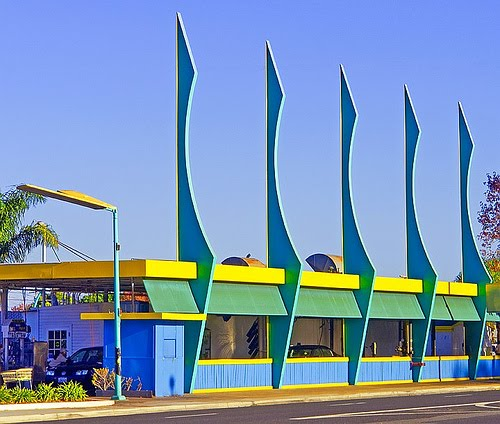 1950 39 s atomic ranch house what is googie for Architecture 1950