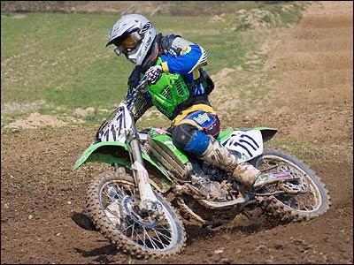 Bikes Suzuki Motocross jump