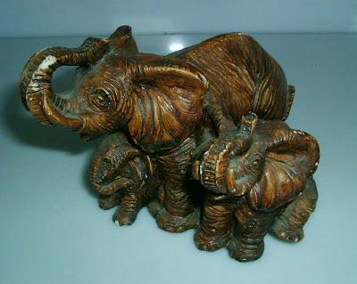 3 elefánt egy csokorban