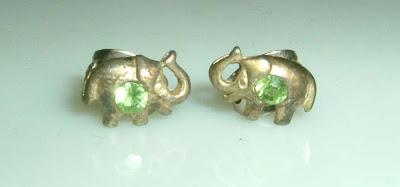 Zöld köves elefánt fülbevaló
