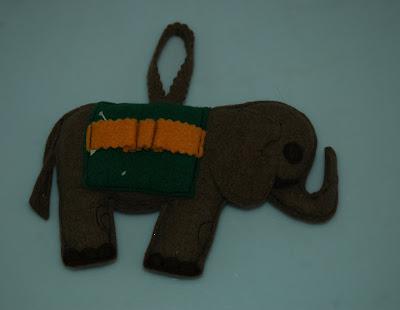 Elefántos tűpárna