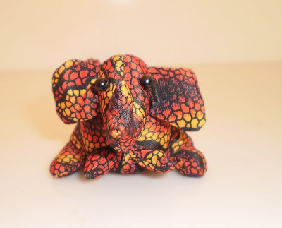 Kis bab elefánt