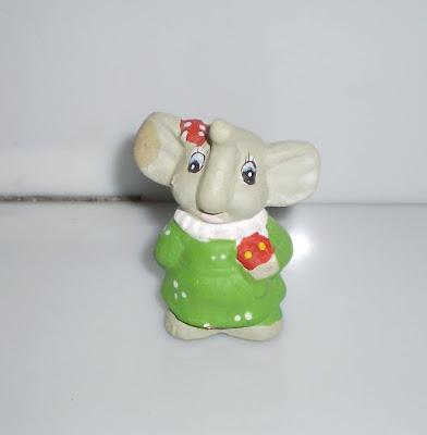 Zöld szoknyás elefánt
