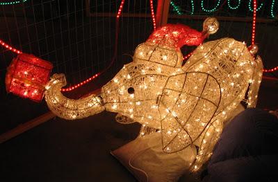 Karácsonyra elefánt