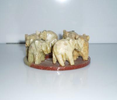 Elefántos füstölőtartó