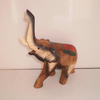 Színes fa elefánt