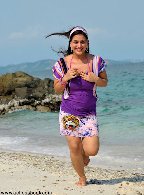 Telugu heroine Aksha latest cute beach stills, Aksha hot photos, Aksha hot beach stills