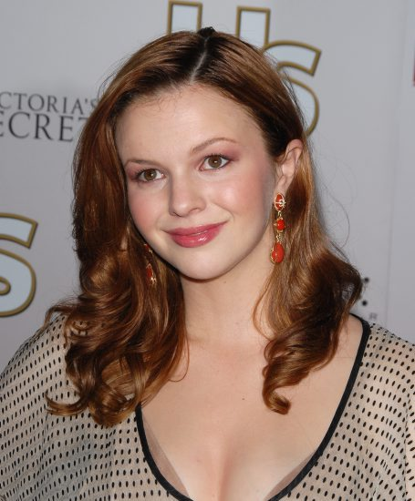Hollywood sexy actress Amber Tamblyn sexy Photos