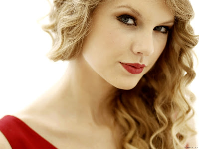 Taylor Swift Born on Taylor Alison Swift  Born December 13  1989  Is An American Country