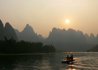 paysage fin de journee sur la riviere Li