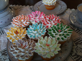 The Diva Cupcake: Flower Cupcakes