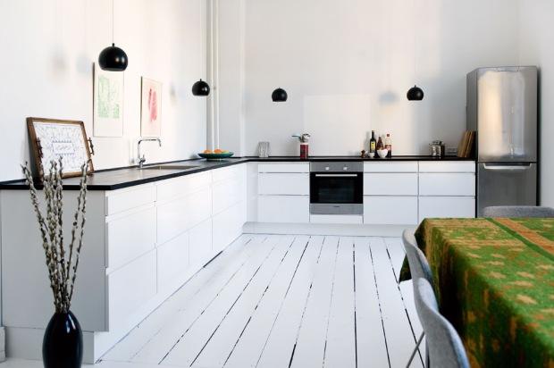 Grijs geschilderde houten vloer: grijs geschilderde houten vloer