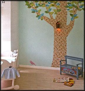 Een kinderkamer met bomen
