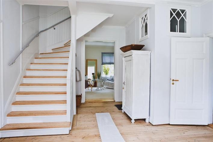 Binnenkijken in een mooi huis villa d 39 esta interieur en wonen - Interieur eigentijds houten huis ...