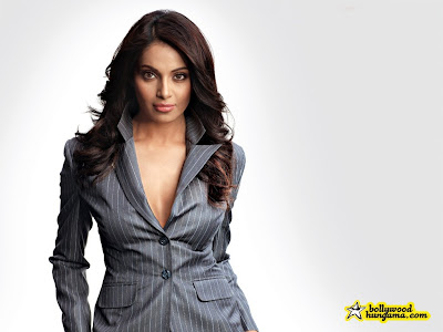 bipasha basu wallpaper. ipasha basu wallpaper.