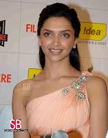 Deepika Padukone Filmfare Awards Pictures11