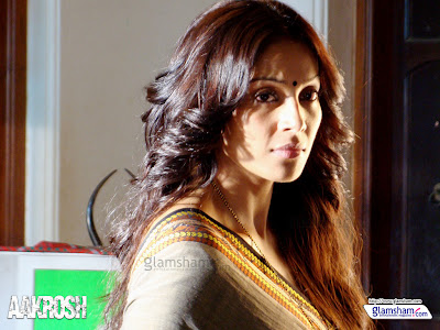 Bipasha Basu Aakrosh Movie Stills2