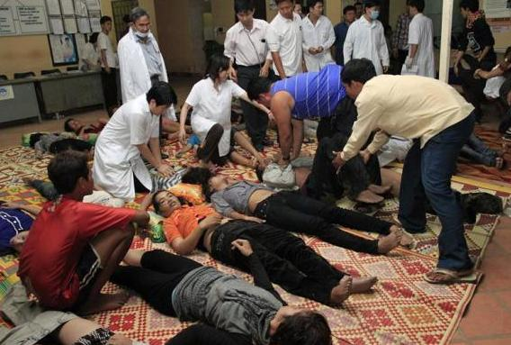 Daily news november 22 2010 stampede in cambodia kills hundreds