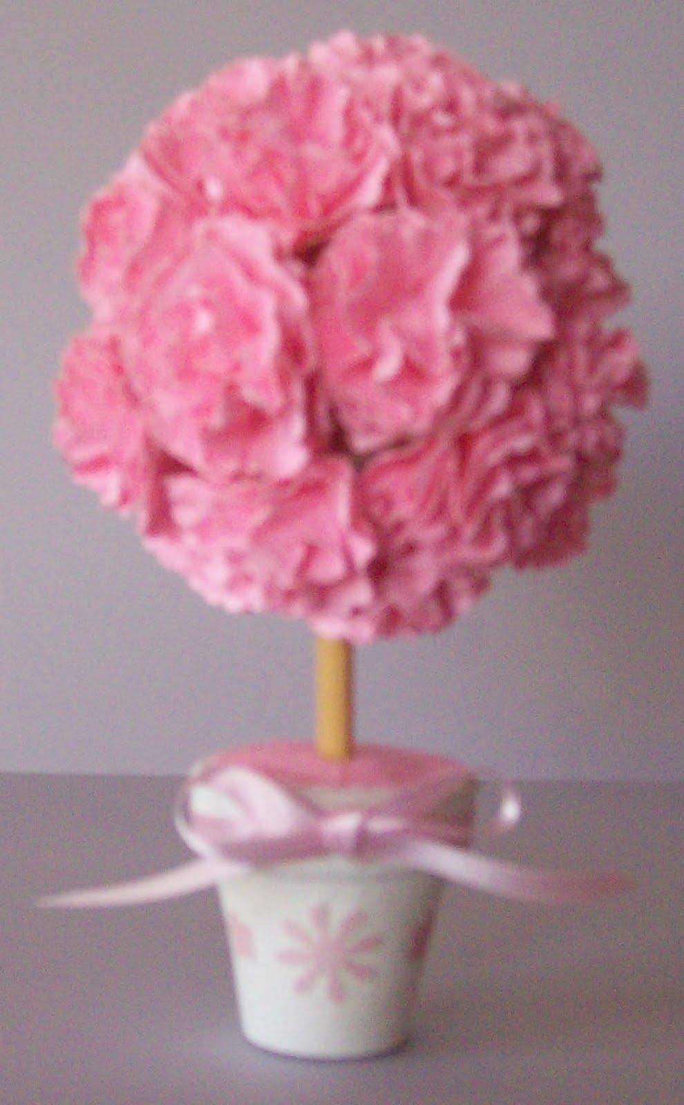 topiario que hice con flores de papel en tonos rosas el topiario mide