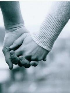Amor Imparable (nick y tu)♥  Nueva novela♥  - Página 4 Manos+entrelazadas