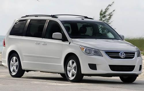 "Car Mama: 2010 Volkswagen Routan - Is ""German Minivan"" an Oxymoron?"