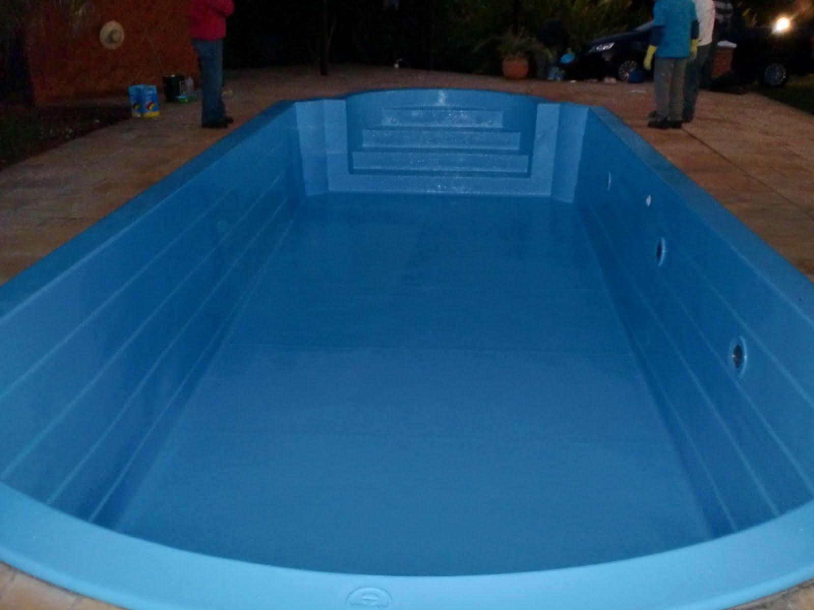 Rufos e revestimentos em fiberglass reforma de piscinas for Piscina de fibra 3 por 4