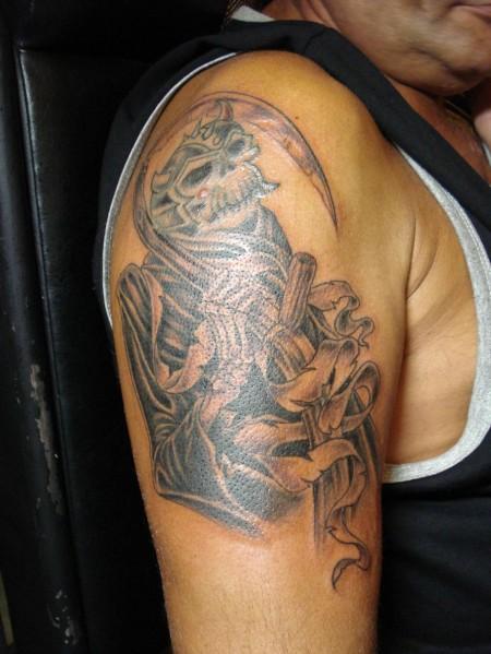 tattoos art blog shoulder skull tattoo. Black Bedroom Furniture Sets. Home Design Ideas