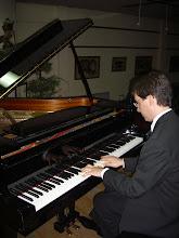 Emiliano Turchetta durante un concierto ofrecido en marzo de 2010