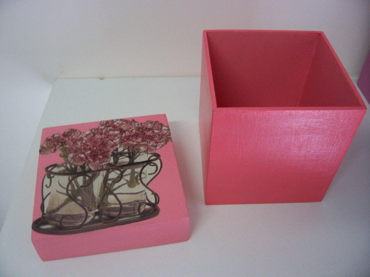 Pintar a caixa da cor desejada deixar secar. #943744 1216x912