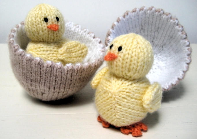 Knitted Chick Egg Cosy Pattern : Cometgirl Knits: Free Pattern! Alan Darts Chick & Egg