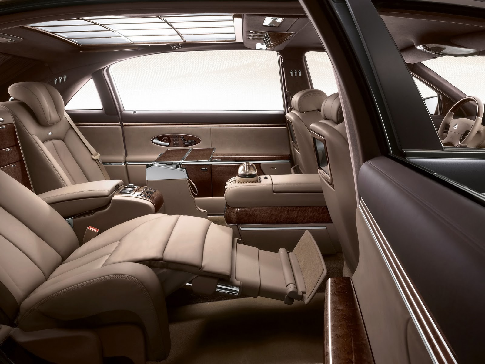 cars hd wallpapers 2010 maybach 62 s. Black Bedroom Furniture Sets. Home Design Ideas