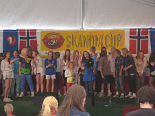 Skandia Cup 2010, Meg med publikummere som kom opp på scenen på siste sangen min. :):)